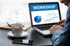 WARSZTATOWA strategia biznesowa i Różnorodny Biznesowy Pracujący onlin Obrazy Stock