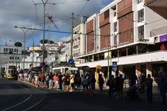 Wartehistorische Tram 28 in Lissabon, Portugal Stockbild