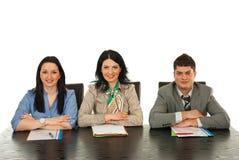 Warteinterview der glücklichen Leute Lizenzfreies Stockfoto