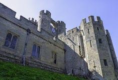 Warwick Castle - porthus i Warwick, Warwickshire, UK arkivfoton