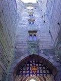 Warwick Castle - porttorn/porthus i Warwick, Warwickshire, UK royaltyfria bilder