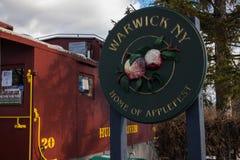 Warwick, Estados Unidos de NY - 4 de janeiro de 2019: simbol da cidade Warwick Home de Applefest imagens de stock