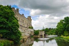 Warwick slott och flod Avon Arkivbilder