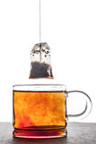 Warząca herbata z herbacianej torby vertical Zdjęcia Stock