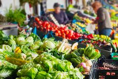 Warzywa Bolhao stoiskowy sławny stary rynek Portugal porto zdjęcie stock