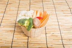 Warzywa folowali kosz Zdjęcia Stock