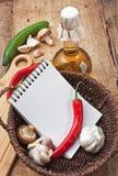 warzywa i butelka olej do smażenia w koszu zdjęcie royalty free