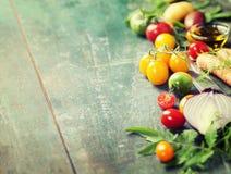 Warzywa na drewnie obrazy stock
