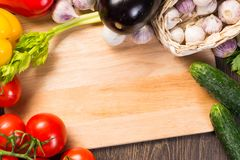 Warzywa na kuchni desce Obraz Royalty Free