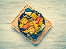 Warzywa piec na grillu Piec kukurudza z warzywami karmowy wieśniak obraz stock