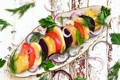 Warzywa sałatkowi na stole Obrazy Royalty Free