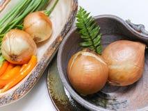 Warzywa ustawiający na bielu stole Zdjęcia Stock