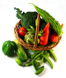 Warzywa w koszu Zdjęcia Royalty Free