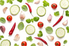 Warzywo i pikantność odizolowywający na białym tle, odgórny widok Tapetowy abstrakcjonistyczny skład warzywa obrazy stock