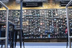 Was trinken Sie in Belgien? stockfotografie