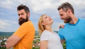 Was zu tun, wenn Sie zurückgewiesen glauben Paare und zurückgewiesener Partner Wie man über Auseinanderbrechen für Kerle erhält R stockbilder