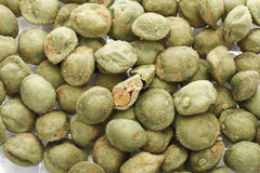 Wasabi coated peanuts Royalty Free Stock Images