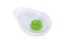 Wasabi in einer weißen Schüssel Lizenzfreies Stockbild