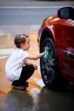 Waschen des Autos Stockbild