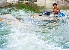 Waschende Kleidung, Philippinen Stockbilder