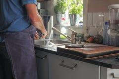 Waschende Teller Stockbild