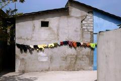 Waschende Zeile mit Farbe Lizenzfreie Stockfotografie