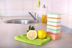 Waschendes Konzept des Tellers Stockbilder