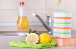 Waschendes Konzept des Tellers Lizenzfreies Stockfoto