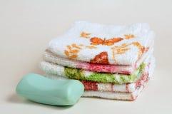 Washclothes e sapone Fotografia Stock Libera da Diritti