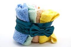 Washcloths mit Schleife Lizenzfreie Stockfotografie