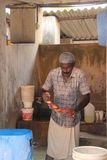 Washerman на Dhobi Khana стоковые фотографии rf