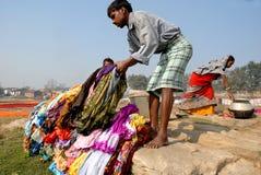 Washermen al fiume di Barakar in India Immagine Stock Libera da Diritti