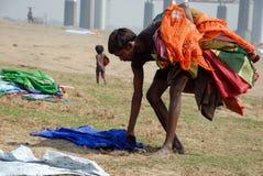 Washermen al fiume di Barakar in India Immagine Stock