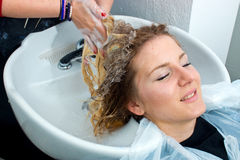 Washing hair in salon Royalty Free Stock Images