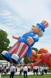 Washington, C C - 4 DE JULHO DE 2017: os balões gigantes são inflados para a participação nacional Dia da Independência parada o  Imagens de Stock