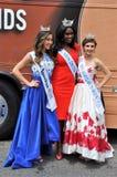 Washington, C C - 4 DE JULHO DE 2017: vencedores de competição-participantes da beleza nacional Dia da Independência parada do 4  Fotos de Stock Royalty Free