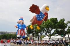 Washington d C - LIPIEC 4, 2017: gigantyczni balony nadymają dla uczestnictwa w 2017 Krajowych dzień niepodległości paradach Lipi fotografia royalty free