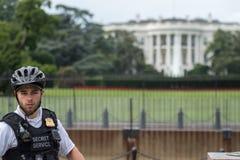 WASHINGTON D.C., USA - JUNE, 21 2016 - Secret service agent at White House building Royalty Free Stock Photos