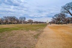 WASHINGTON DC, ΗΠΑ - 31 ΙΑΝΟΥΑΡΊΟΥ 2006: Η εθνική λεωφόρος, ένα πάρκο Στοκ εικόνες με δικαίωμα ελεύθερης χρήσης