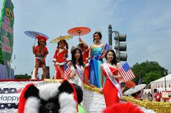 Washington, DC C - 4 LUGLIO 2017: rappresentanti dei Taiwan-partecipanti cittadino festa dell'indipendenza parata del 4 luglio 20 Immagine Stock Libera da Diritti