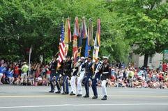 Washington, DC C - 4 LUGLIO 2017: standard-portatore-partecipanti cittadino festa dell'indipendenza parata del 4 luglio 2017 2017 Fotografia Stock Libera da Diritti