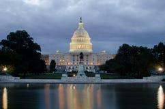 Washington DC - Capitolbyggnad och reflexion Arkivbilder