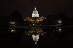 Washington DC - Capitolbyggnad och reflexion Arkivfoton