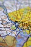 Washington DC centrado en un mapa itinerario de papel con el foco limitado foto de archivo