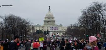 WASHINGTON DC - 21 DE ENERO DE 2017: ` S marzo de las mujeres en Washington imágenes de archivo libres de regalías