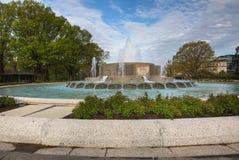 Washington DC de fontaine de jardin de sénat images libres de droits