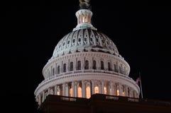 Washington DC, de het Capitoolbouw van de V.S. bij nacht royalty-vrije stock afbeelding