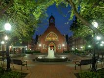 Washington DC, District van Colombia [Verenigde Staten de Universiteit van de V.S., Georgetown bij nacht, kapel en Healy Hall-hui royalty-vrije stock foto's