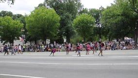Washington DC, el 4 de julio de 2017: El desfile para el desfile del 4 de julio de Washington District de Columbia los E.E.U.U. almacen de video