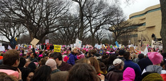 WASHINGTON DC - 21 JANVIER 2017 : ` De femmes s mars sur Washington Image stock